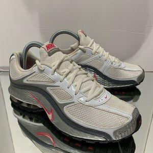 Women Nike Reax Run 5 shoes size 7.5